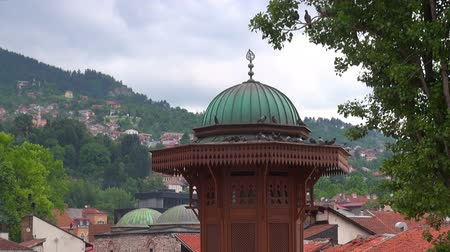 bascarsija : Pigeons sit on the dome of the historic fountain Sebilj Brunnen,  Bosnia and Herzegovina, Sarajevo