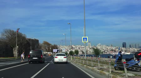 otoyol : TURKEY, ISTANBUL - DECEMBER 2, 2017: Road along the Bosphorus Strait, view from the car Stok Video