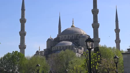 kelet : Blue Mosque on a sunny summer day, Istanbul, Turkey