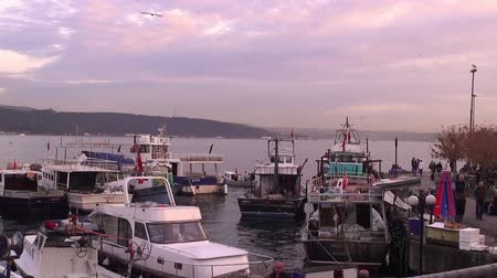 mais : Fishing Boats, Bosphorus. 23.12.2013, Turkey, Istanbul