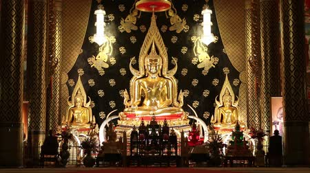 budist : Buddha means that God created instead of King Buddha. To worship May be carved out of various materials such as stone, wood, ivory or other Sawasdee Ka.