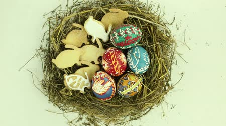 memeli : Easter nest with eggs and biscuits Stok Video