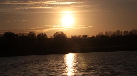 time laps : Sunset over the pond