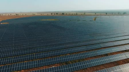 avançar : aerial view Solar panels Photovoltaic system birds-eye view