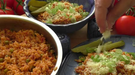 chalota : Vegetable risotto garnished with shallot and