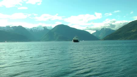 Норвегия : Ferry ship cruising on Norwegian fjord