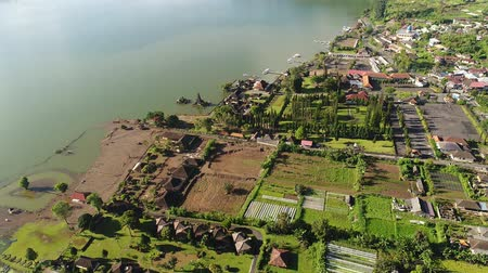 bratan : Aerial view of Ulun Danu temple on Lake Beratan, Bali, circle around
