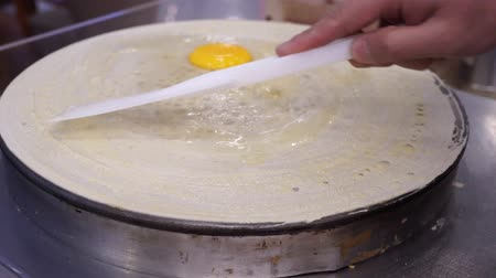 креп : Professional cooking hand people make French Crepes Стоковые видеозаписи