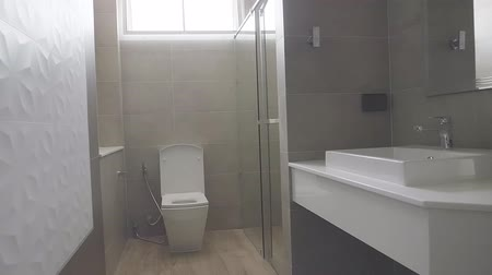 banheiro : Modern design home bathroom White sanitary ware in the bathroom. Under construction