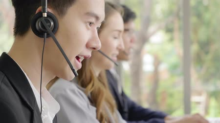 yardım hattı : Operator team, Closeup face operator men talking customer service