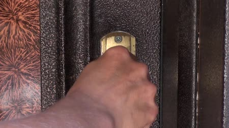 Door lock openning with keys