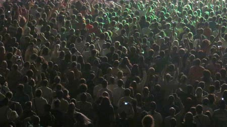koncert : Numerous of Cheering crowd in a concert hall in Kyiv, Ukraine Dostupné videozáznamy