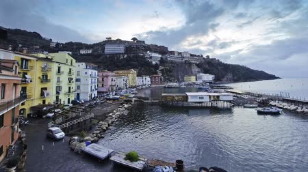 neapol : Evening view of small harbour in Sorrento city, Campania province, Italy (Time Lapse) Wideo