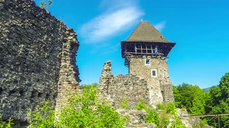 citadela : Nevytske Castle, semi-ruined castle in Zakarpattia Oblast, Ukraine. Located 12 kilometres north of Uzhhorod city. First mentioned in 1274 year. Time Lapse video Vídeos
