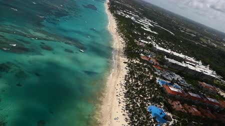 dominik : Flying Over Luxury Tropical Island