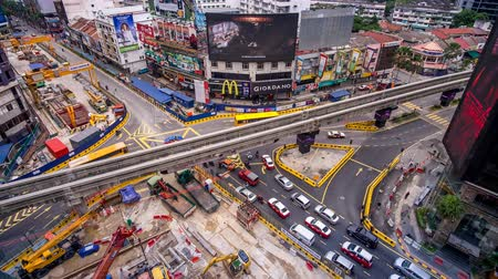 bintang : KUALA LUMPUR - SEPTEMBER 16: A beautiful time lapse of Golden Triangle development at Bukit Bintang during peak hour on September 16, 2015 in Kuala Lumpur.