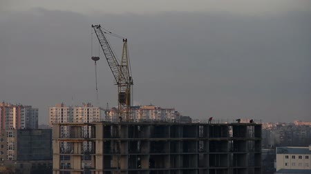 usado : Construction of high-rise building, cityscape.Time lapse video