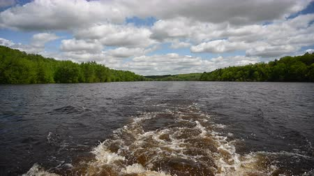 Boat Wake in the St Croix River Стоковые видеозаписи