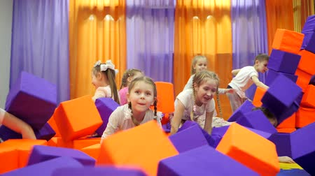 piada : Childrens playroom. Play with foam cubes.