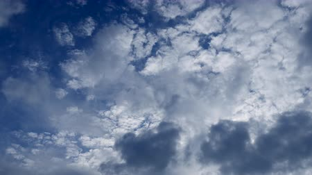 sztratoszféra : Photography Daytime Sky With Fluffy Clouds Video Loop Stock mozgókép