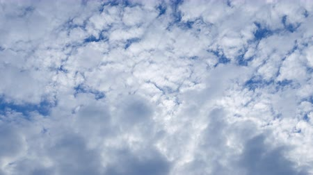 軽量 : Photography Daytime Sky With Fluffy Clouds Video Loop 動画素材