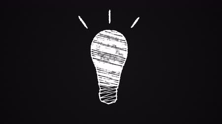 desenhada à mão : glowing lightbulb painted with chalk, idea, hand drawn animation 4K