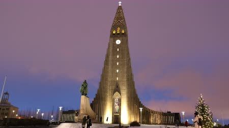 hallgrimskirkja : Hallgrimskirkja, Church of Hallgrimur is a Lutheran, Church of Iceland parish church in Reykjavik, Iceland. Timelapse. Stock Footage
