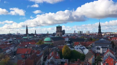 kodaň : time lapse video of Copenhagen in autumn aerial view with blue sky and sunny day