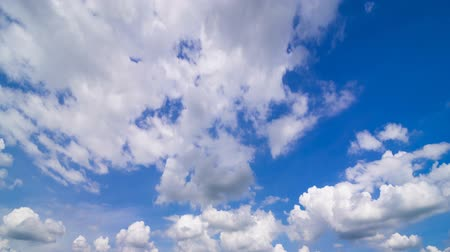 popisný : moving clouds and blue sky time lapse