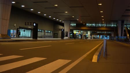 airport bus : Chiba, Japan - June 24, 2019: Narita international airport second terminal bus stops early in the morning Stock Footage