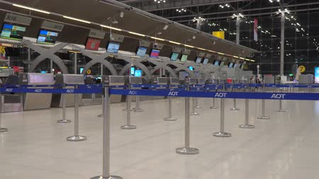 inchecken : Bangkok,Thailand-January 25, 2020: Close-up of check-in counters of Suvarnabhumi Airport or New Bangkok International Airp Ort Stockvideo