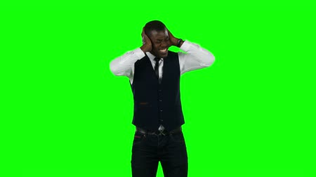verde : Angry businessman. Green screen