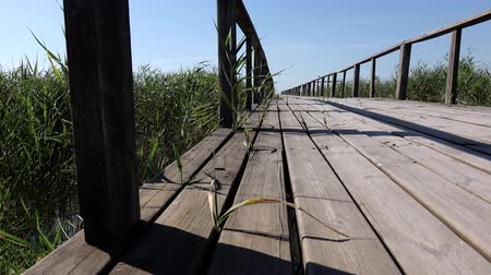 yaya köprüsü : Old wooden bridge. Close up. Dolly