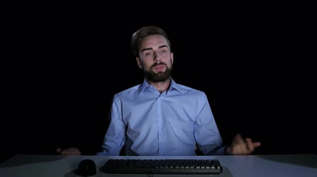 franzir : Man feels the emotions of puzzlement communicating on the internet