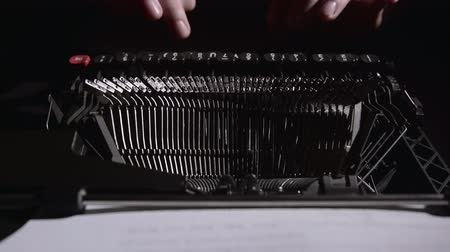 poeta : Script writer on a typewriter writes a screenplay for the film