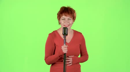 chant : Singer performs her song of authorship. Green screen Stock Footage