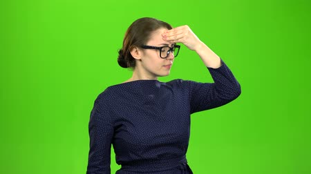 straining : Business ladies suffer from headaches. Green screen Stock Footage