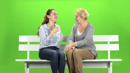 konuları : Mom and daughter laugh. Green screen Stok Video