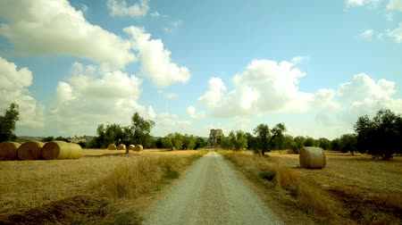 factor : hay bales in tuscany Stock Footage