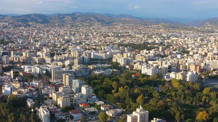 chipre : Vista aérea del paisaje urbano de Limassol. Chipre Archivo de Video