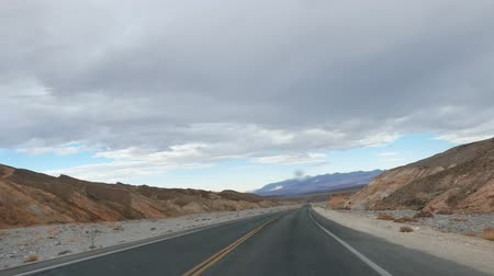 venkovský : Raining while driving at Death Valley National Park Dostupné videozáznamy