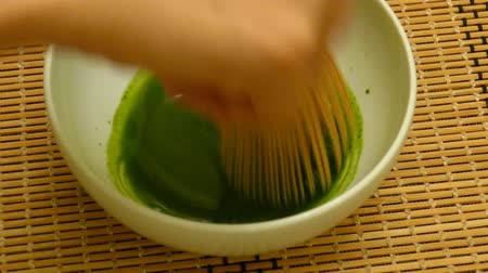 tigela : Making the Japanese style Matcha at home
