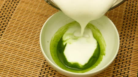 tigela : Making the Japanese style Matcha with milk foam at home
