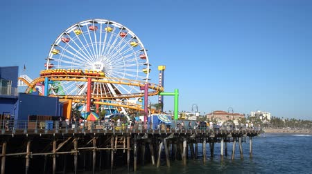 visitante : Santa Monica, JUN 21: The amusement park of the pier on JUN 21, 2017 at Los Angeles County, California, United States