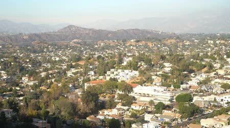 реальное время : Aerial view of the cityscape of Highland Park, Los Angeles, California, United States
