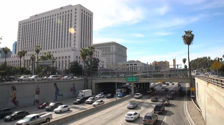 város : Los Angeles, MAR 3: Downtown street view with city hall on MAR 3, 2018 at Los Angeles