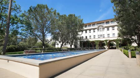 реальное время : Los Angeles, JUL 21: Exterior view of the Beckman Institute in Caltech on JUL 21, 2018 at Los Angeles, California
