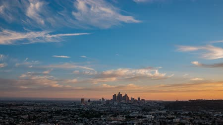 los angeles skyline : Sunset to night motion timelapse of the beautiful Los Angeles skyline, California