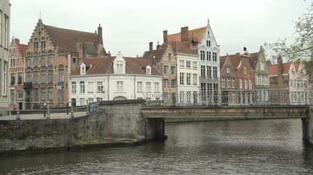 homály : Beautiful street and river view of the Brugge city at Beligum