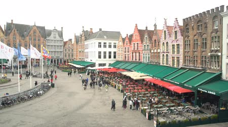 para a frente : Brugge, APR 28: Timelapse video of the Brugger center Market Place on APR 28, 2018 at Brugge, Beligum